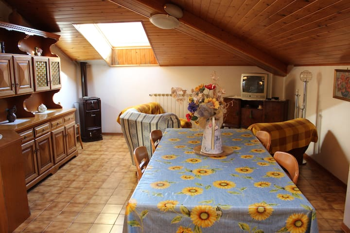 Apartment in Maresca for mountain bikers - Maresca - Apartment