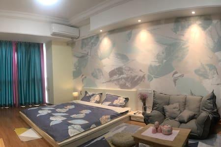 万达广场50平一室套房单身公寓《猪猪小蜗》日韩风