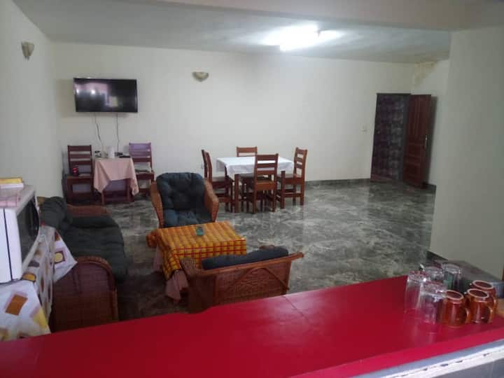 Douala. Chambre privative dans appartement luxueux