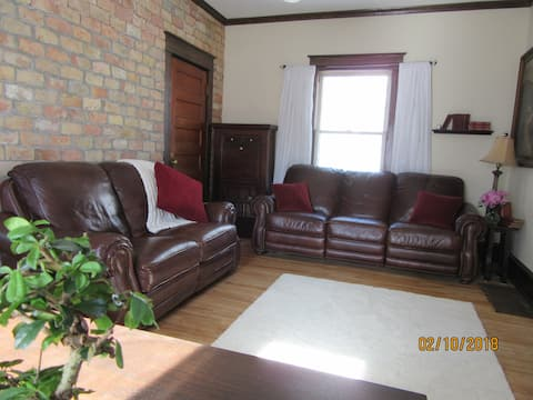 Coziest Home 4 Miles From Downtown Minneapolis
