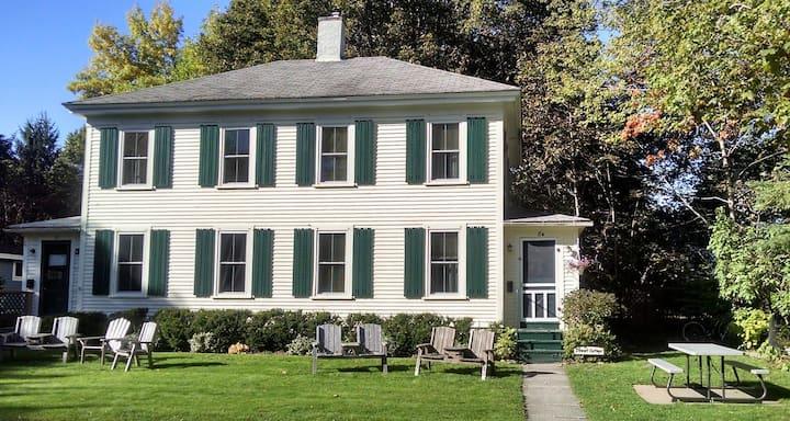 Stewart Cottage - Historic Duplex in Bar Harbor
