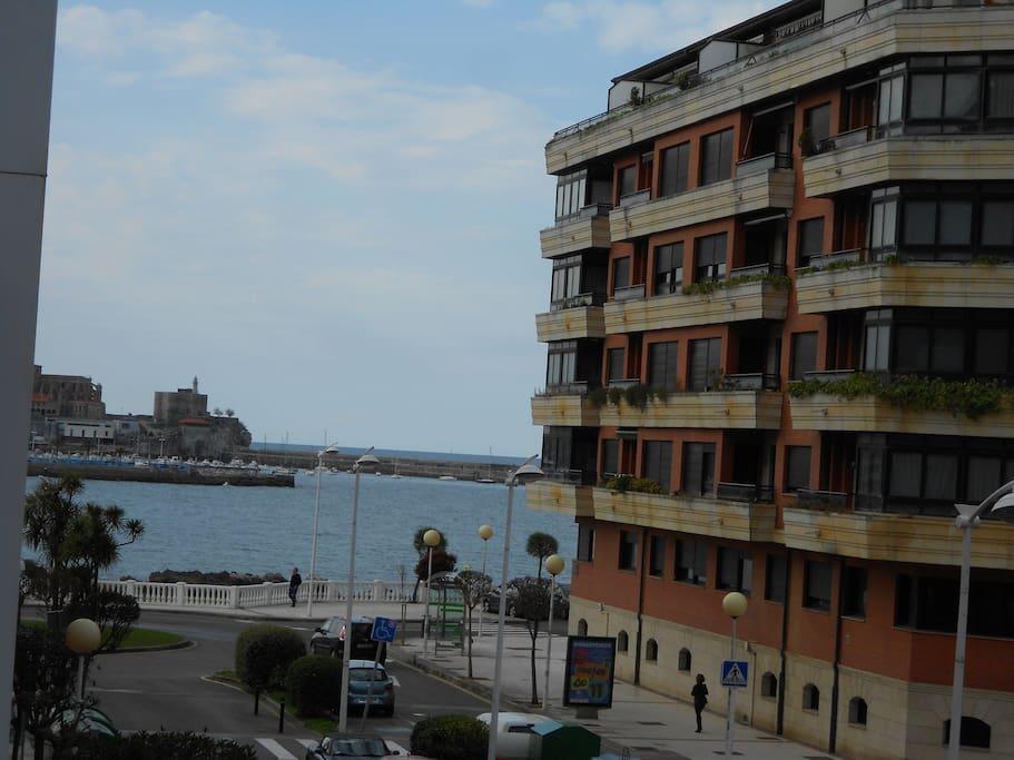 Apartamento junto a la playa apartamentos en alquiler en castro urdiales cantabria espa a - Apartamentos en cantabria playa ...