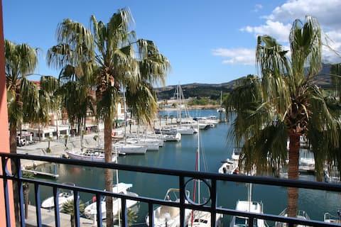 2 pièces 3* clim parking. Belle vue Port Mer Côte