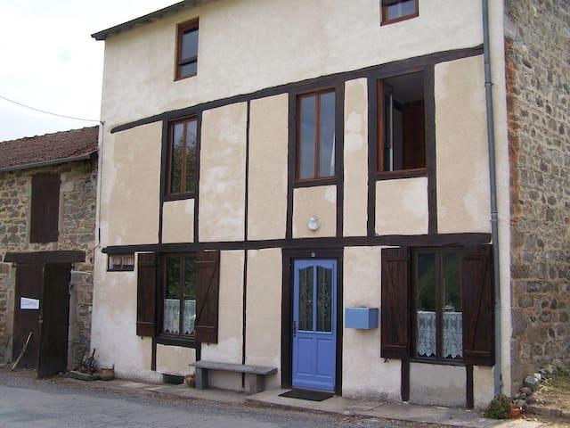 Maison au cœur de la France - Sardent - Dom