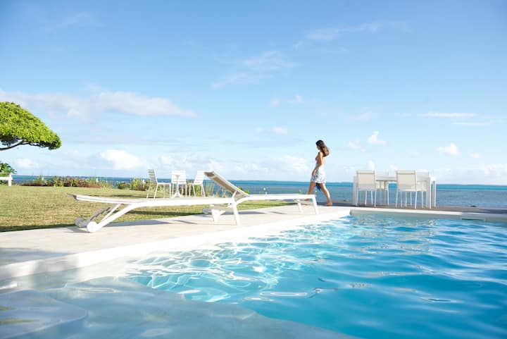 Le Ficus Iti : Belle villa bord de mer, piscine