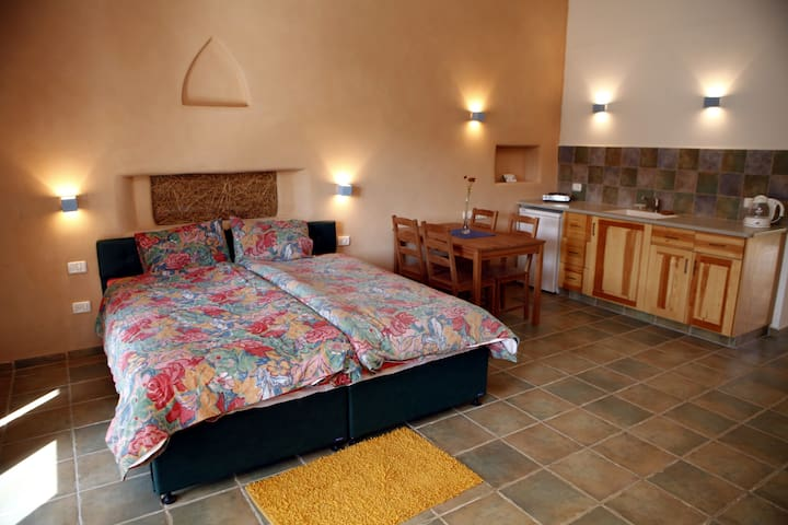 Essene Farm Suite #1 - Even Sapir - Bed & Breakfast