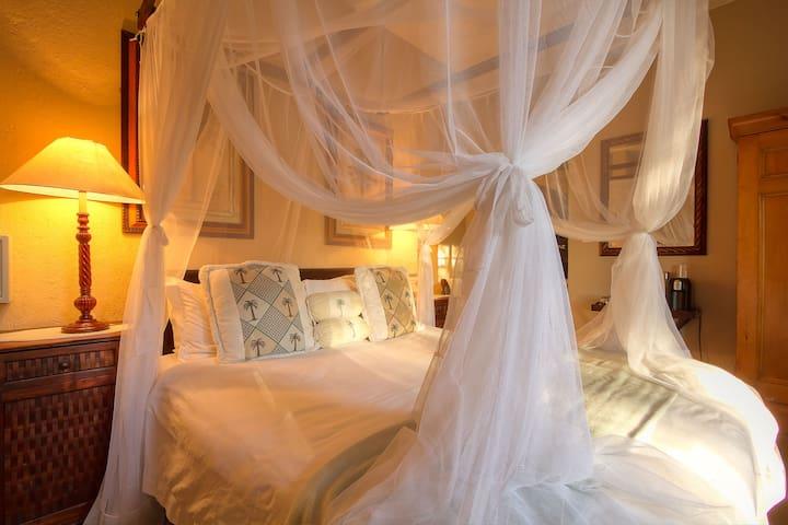 Mvuradona Safari Lodge - Double Room