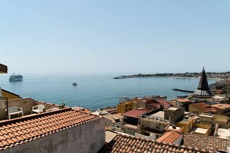 Nick & Santo's Holiday Homes 5 Sea view
