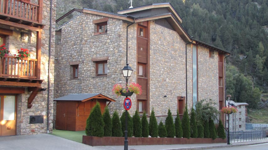 "Apartment front the ski resort ""Tarter""GRANDVALIRA"