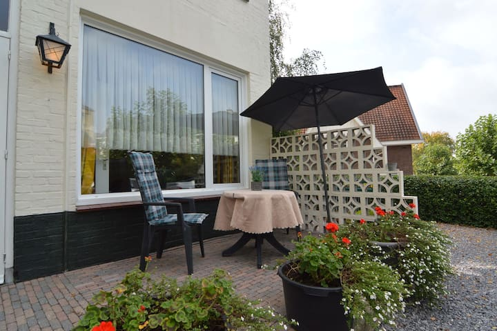 Holiday apartment on the ground floor with terrace, centrally in South Limburg