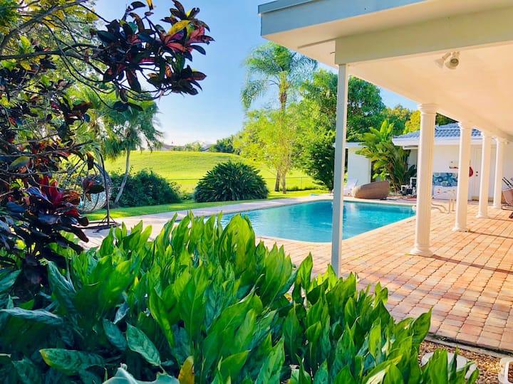 Luxurious Kosher Villa - Solar Heated Pool Golf