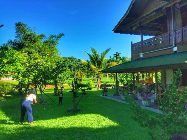 Villa Sawah Indah