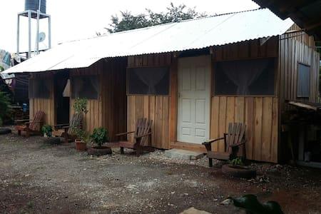 Cabinas Avri - Los Pargos - Sommerhus/hytte