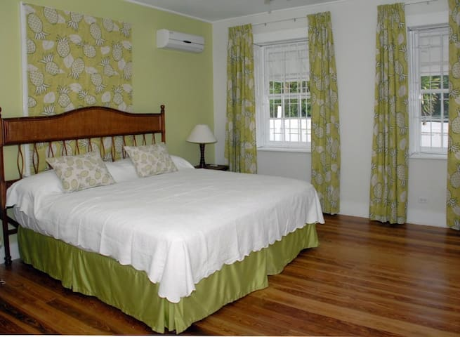 Beautiful 1 bedroom apt in plantation house - RB4