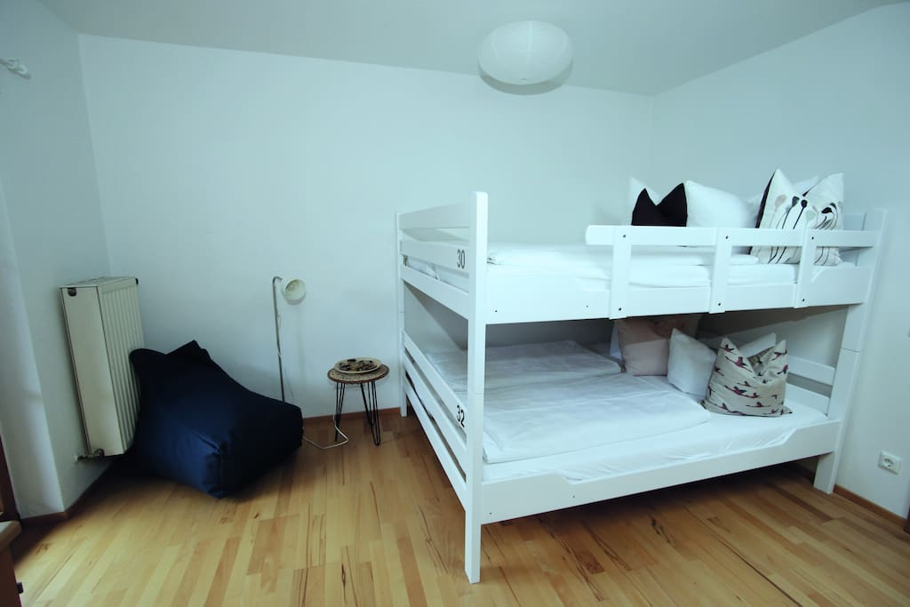 Bett im walchenseezimmer chambres d 39 h tes louer for Chambre hote allemagne