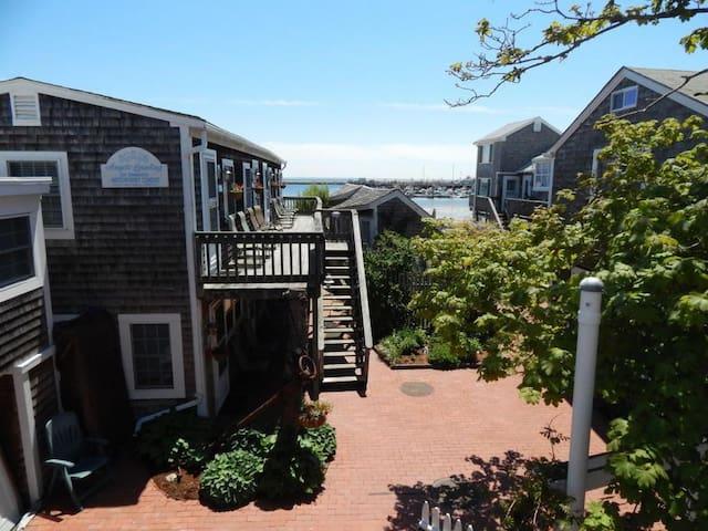 Beachfront studio nestled in Provincetown center