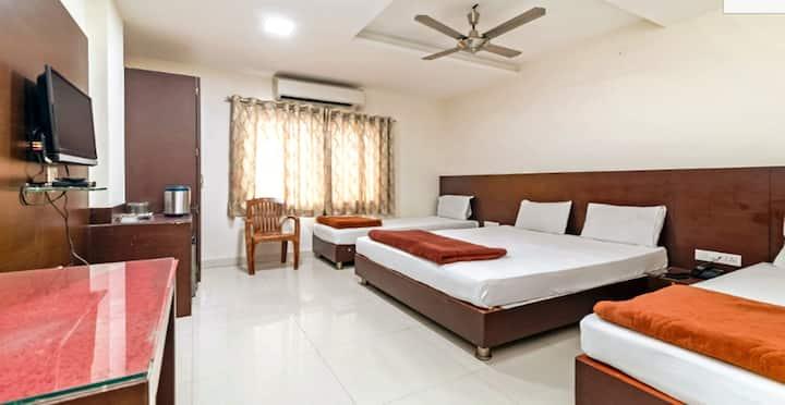 Family Room for 4 @Hotel Maheshwari Avenue, Ujjain