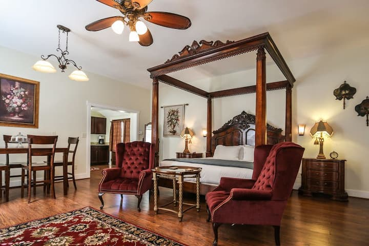 Victorian Mansion Suite Alli | King Bed | Whirlpool Tub | Shared Hot Tub/Pool