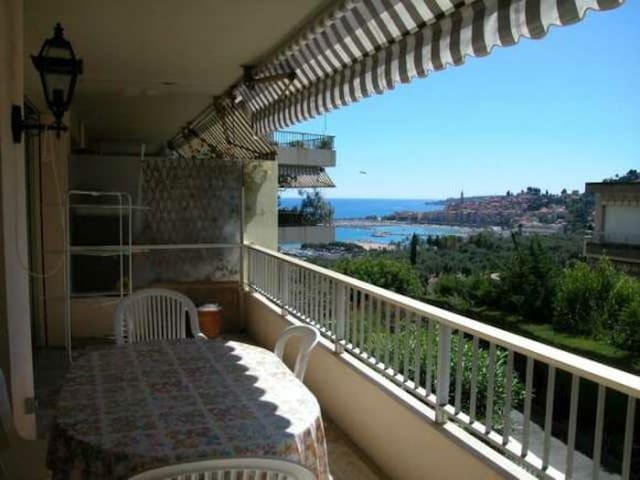 40 - 3room with terrace and beautiful sea view, swimming pool and garage - MENTON - Huoneisto