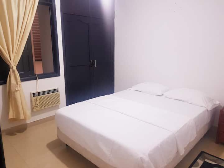 Habitación privada y cómoda cerca al aeropuerto