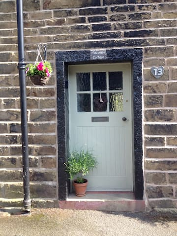 Entire Place 18Cth Cottage Edenfield, Ramsbottom
