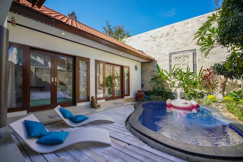 Villa LUHRON_Private Pool_Walk to the Beach 8 min