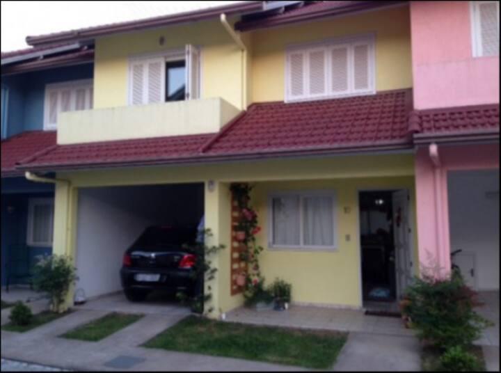 Condominio simples e confortável