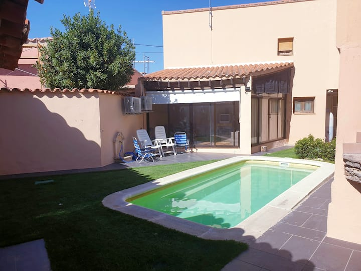 Villa with 3 bedrooms in Pajares de la Lampreana, with private pool, enclosed garden and WiFi
