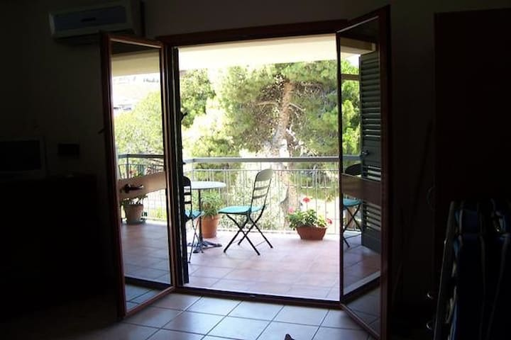 Beautiful studio apartment close to the beach - Melito di Porto Salvo - Apartment