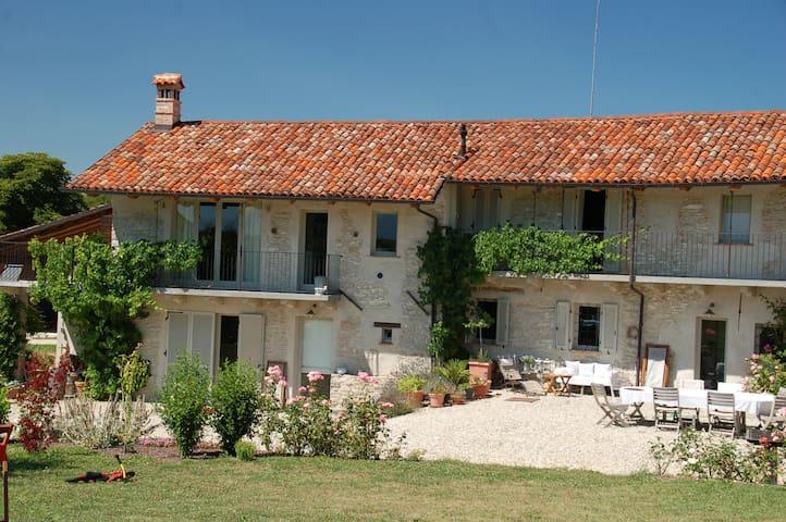 au coeur du vignoble du Barolo - Dogliani - House