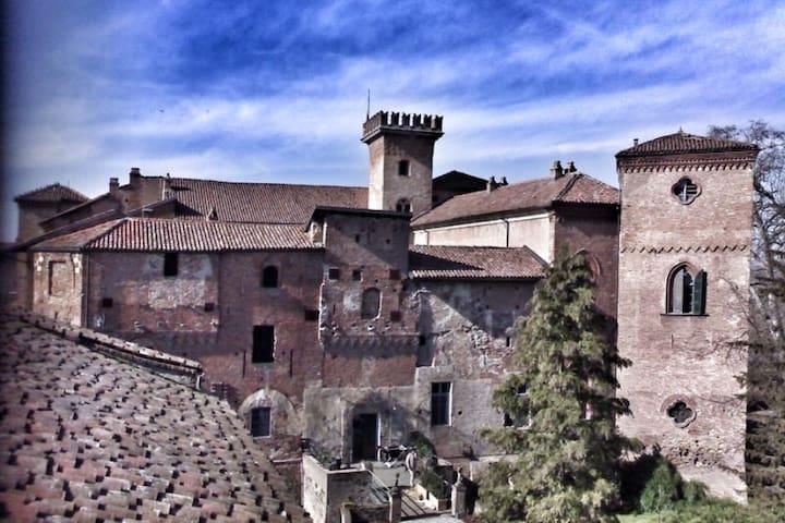 Castello Sannazzaro - Giarole - Zamek