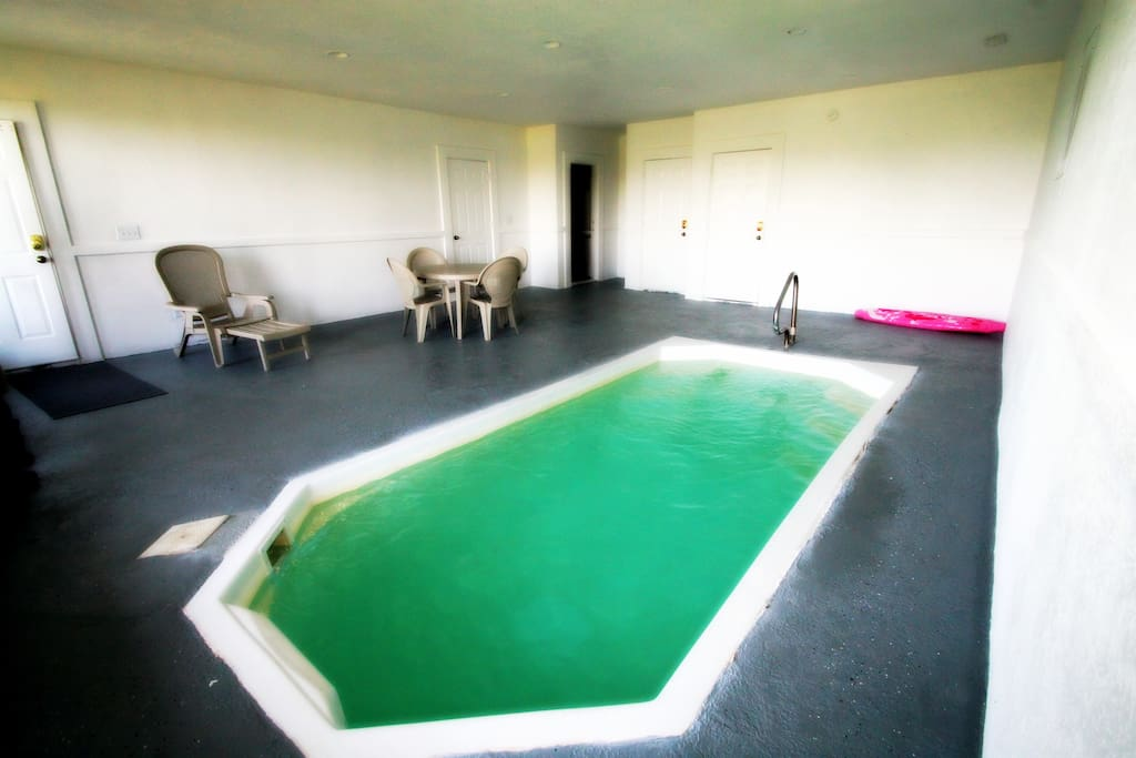 Heated Pool Great for winter get aways