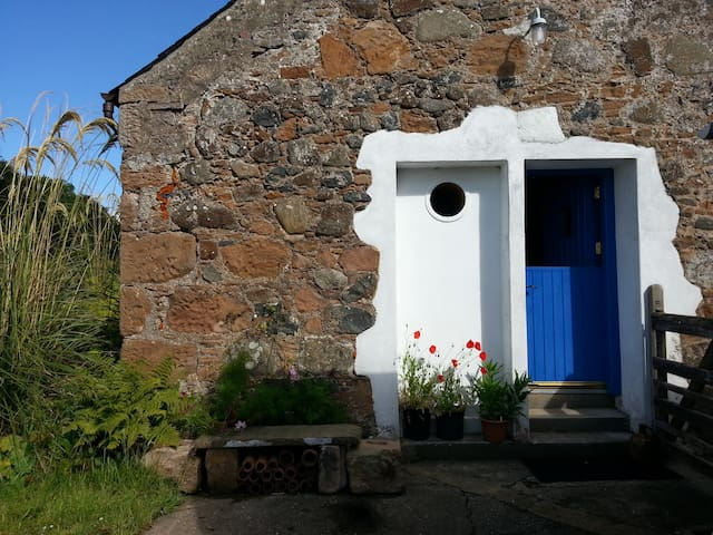 Courtyard Cottage, near Culzean - Kirkoswald, South Ayrshire - Rumah