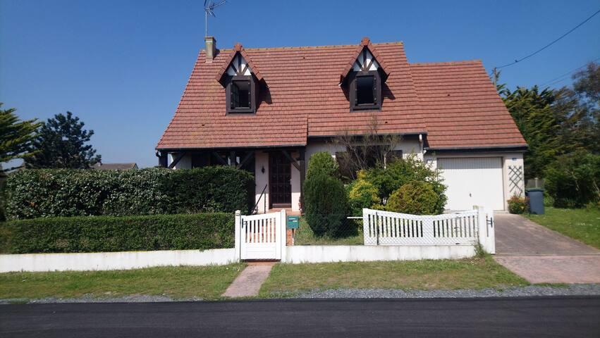Villa bord de mer avec jardin et terrasse privée