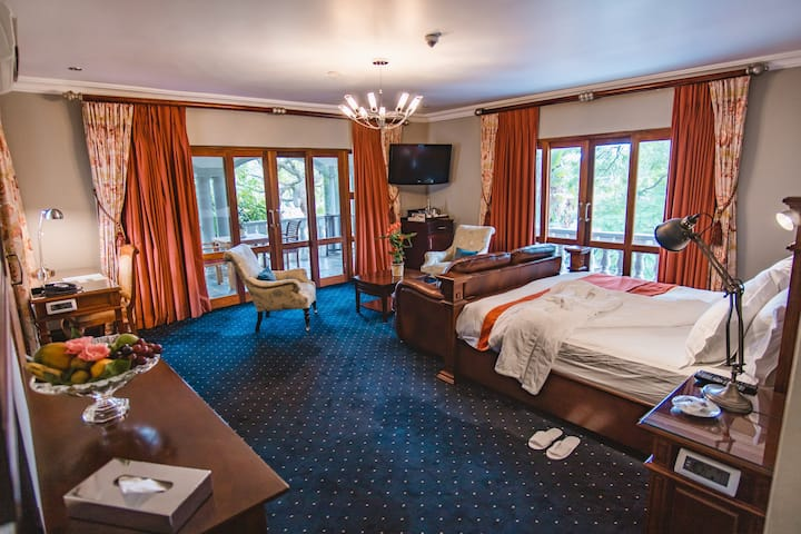 Village Ridge Boutique Hotel Suite