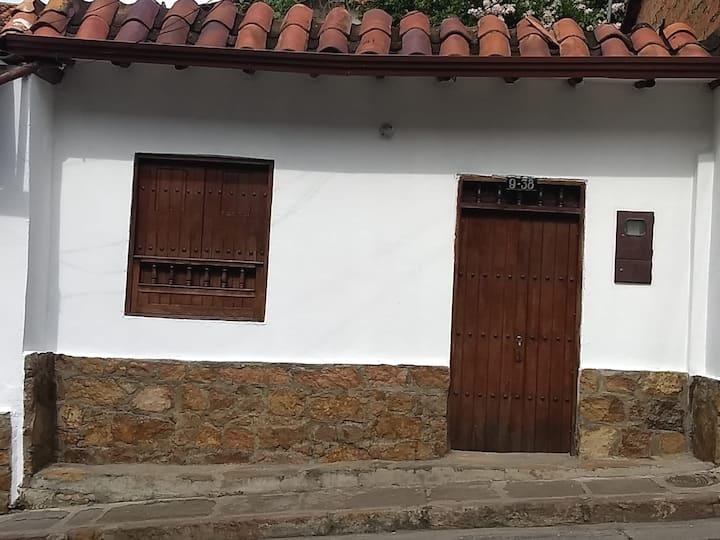 Acogedora Casa San Gil, cerca a la plaza principal