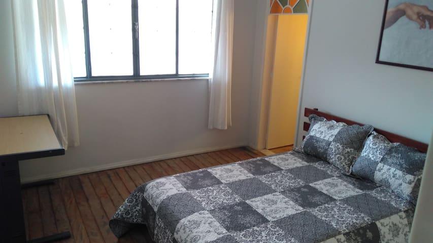 Maccuh Guest House (Vassouras, RJ)  Suíte Colonial