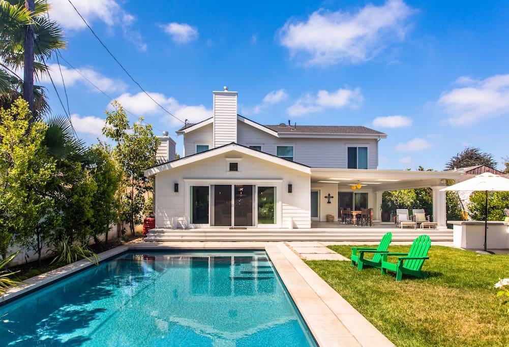 Backyard w/ Pool