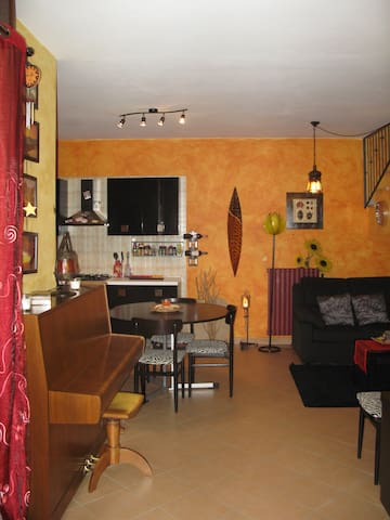 Stanza privata fuori città - Giaveno - Apartamento