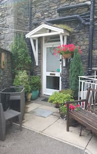Mysty,  Heart of Windermere  *3 for 2* Nov - 1 Apr