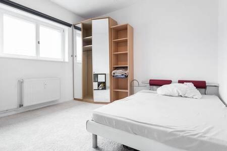 Prenzlauer Berg (WG) room