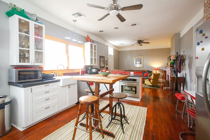 Uptown Trendy Neighborhood Apt - Nova Orleans - Apartamento