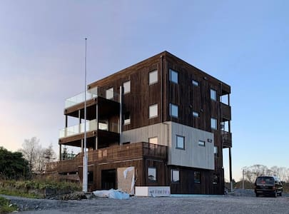 Nyoppført leilighet tre soverom på Storebø