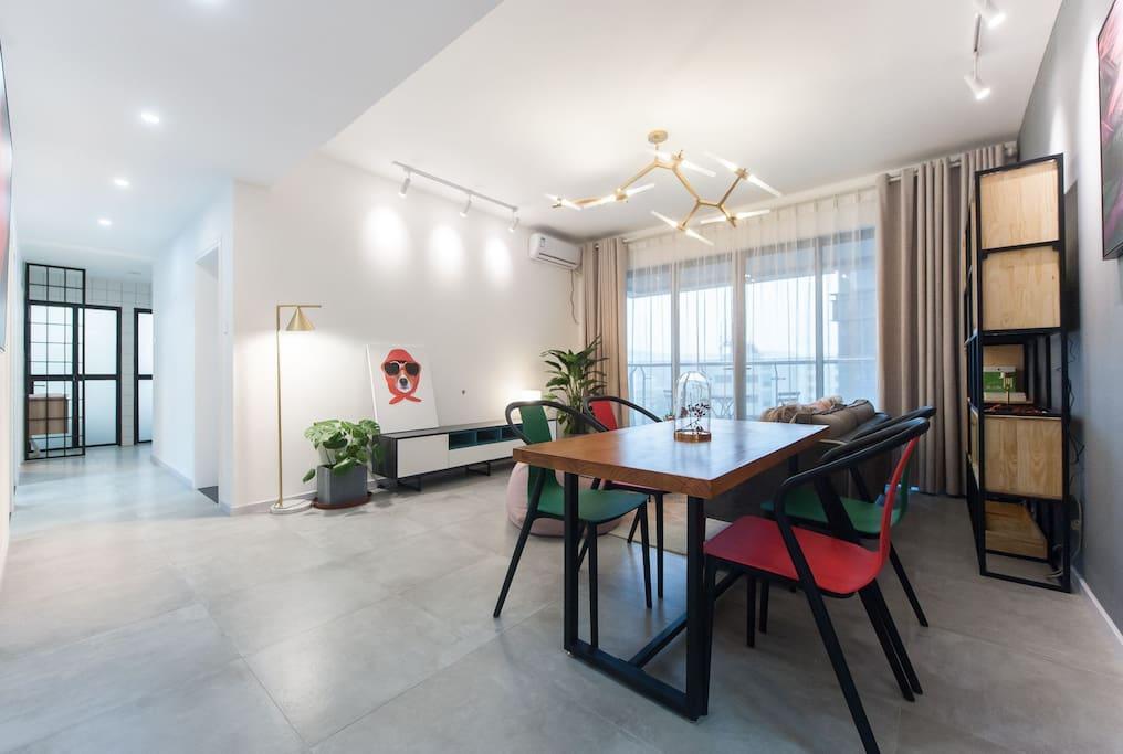 明亮宽敞的客厅,带给人心旷神怡的好心情