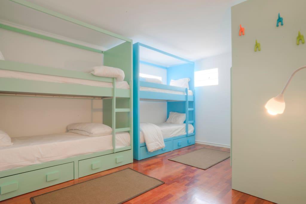 6 Beds -  Dorm