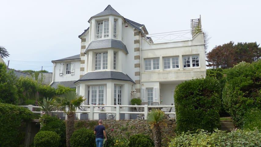 Schöne Ferienwohnung am Meer - Saint-Nic - Apartemen