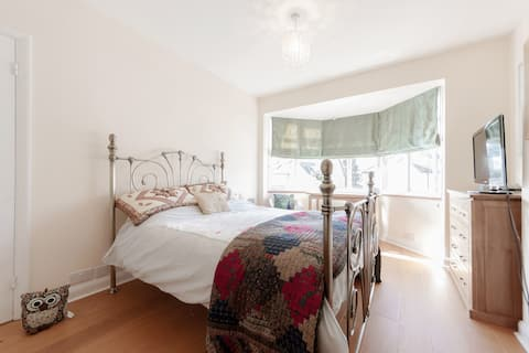 Double Bedroom near to Wimbledon
