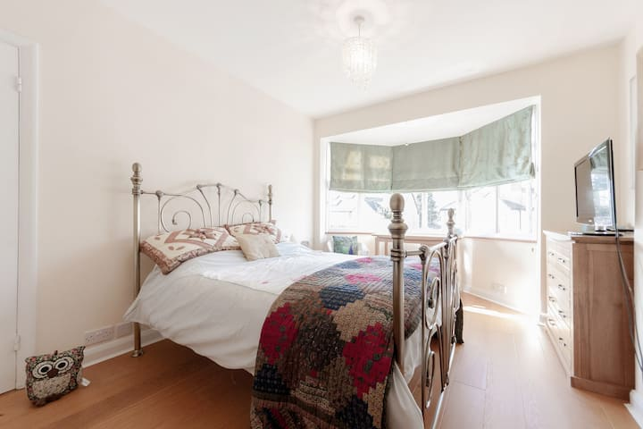 Double Bedroom near to Wimbledon