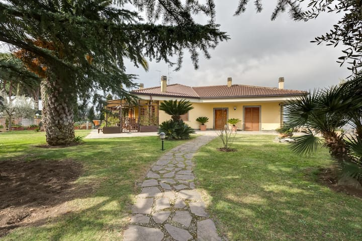 Beautiful Villa in Rome - Frascati