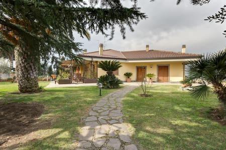 Beautiful Villa in Rome - Frascati - Frascati - Villa